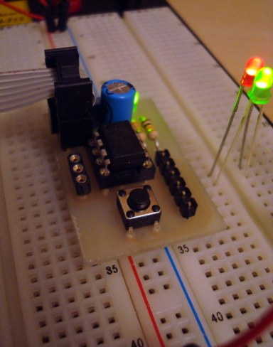 Breadboard header for ATTiny 25/45/85 - Electronics-Lab