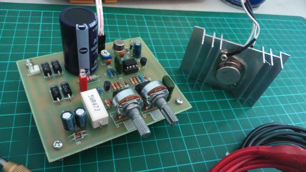 www.electronics-lab.com
