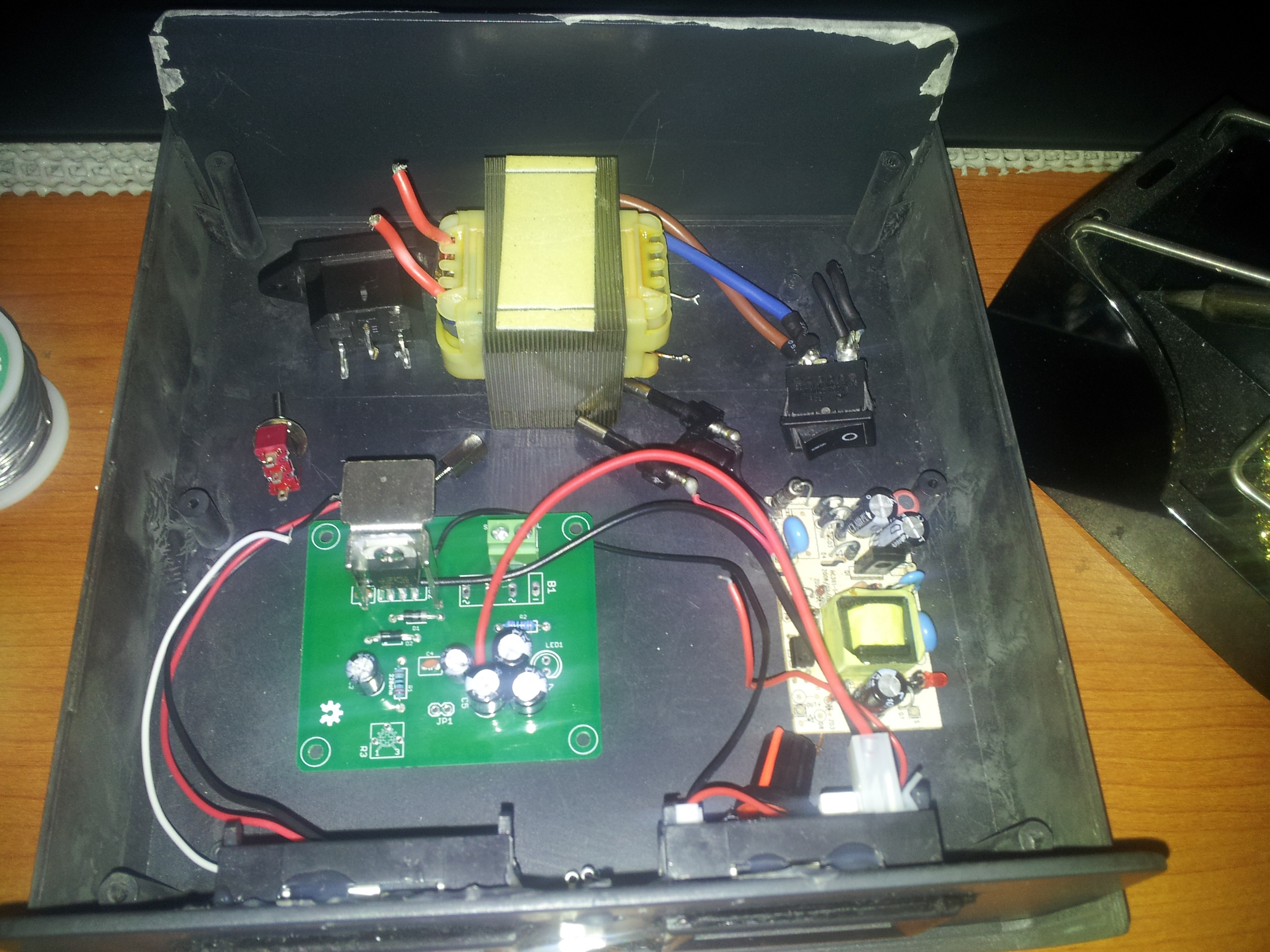 Variable Power Supply With Lm7812 Electronics Lab Use The And Resistor To Vary 2