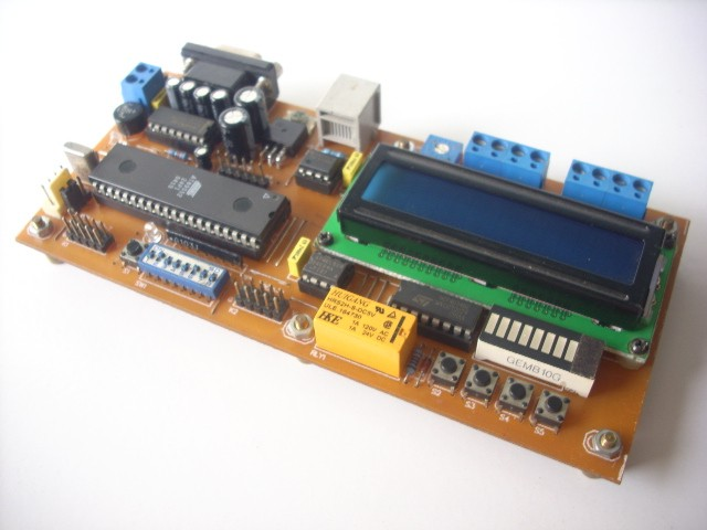 89Sxx Development Board