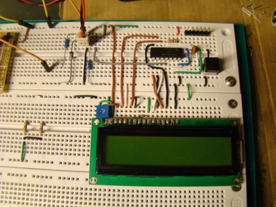 PIC16F688 Digital Voltmeter - Electronics-Lab