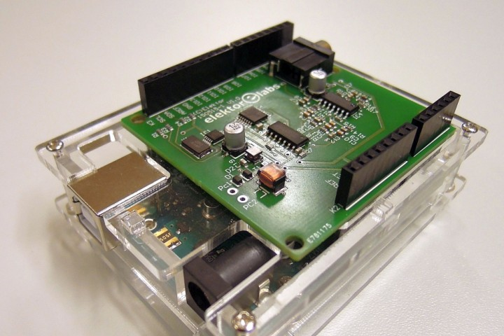 Software Defined Radio (SDR) shield for Arduino