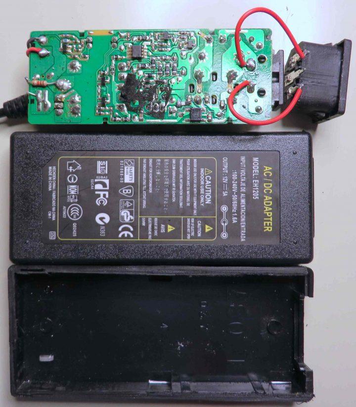 Teardown: 12V AC adapters