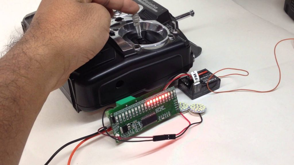 RC Signal Monitor Using Bargraph & RC Switch using Relay