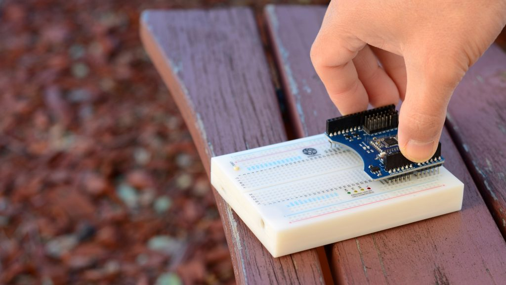 STEMTera, Arduino Compatible Built-In Breadboard