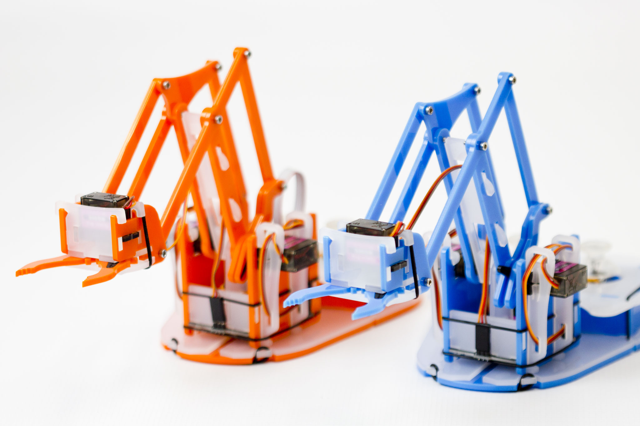 Anyone Can Build A Robot Arm With MeArm Pi
