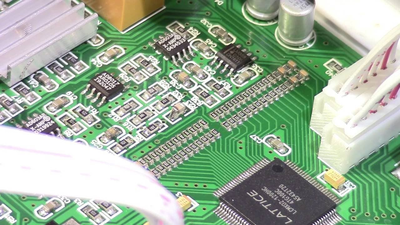 Teardown and review of the new MHS5200A