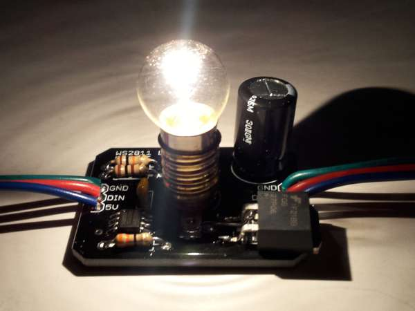 Individually addressable incandescent lamps