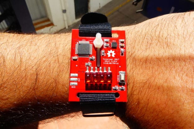 Solr: Digital Wrist Watch Calculates time from Sun Position