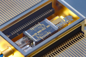 290Hz Narrowband Laser On Chip For Numeros Photonic Applications