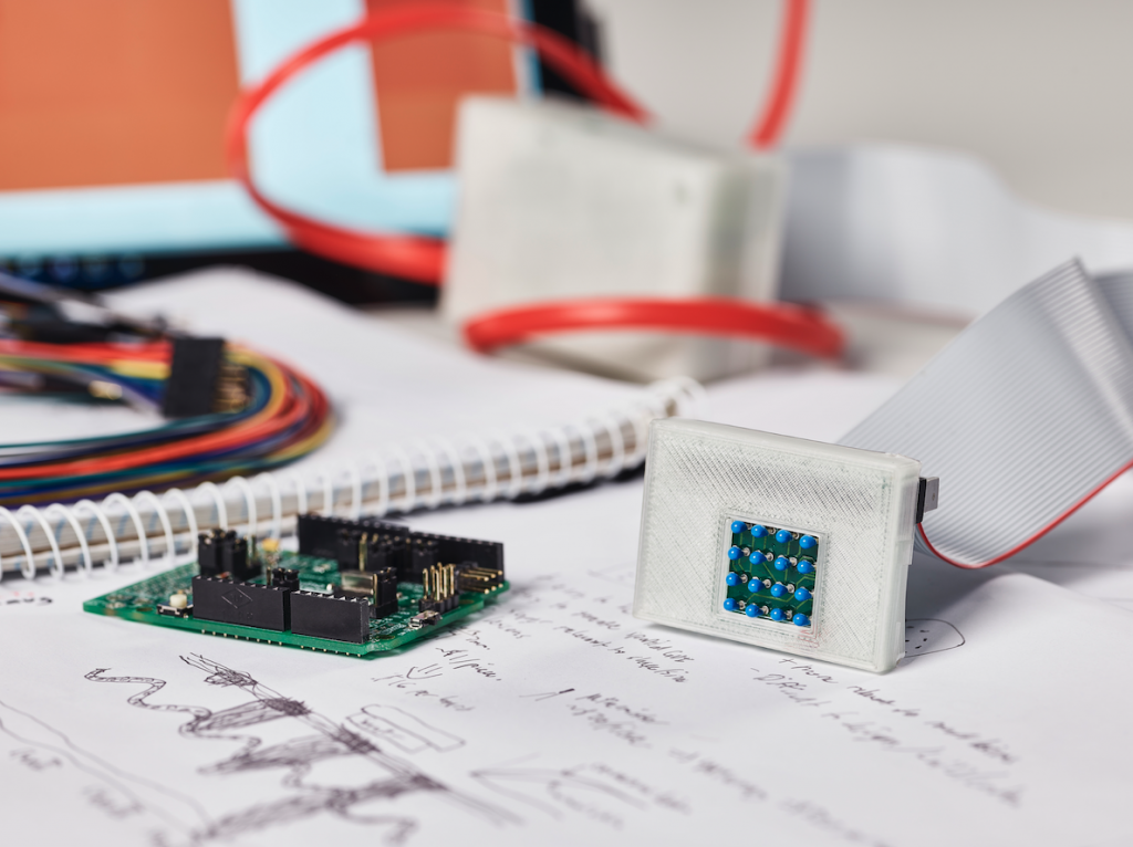 sKan – Low cost and non-invasive melanoma detection device