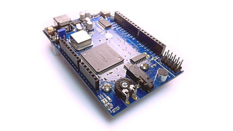 PulseRain M10 – FPGA Development board is Arduino compatible
