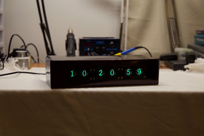NIMO Clock – Recreating the look of a 60's CRT display