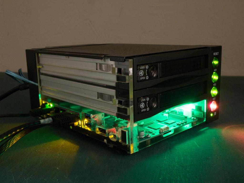 DIY NAS / Router in 3-bay hot swap enclosure