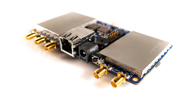 LimeNET Micro SDR Board Features Raspberry Pi CM3