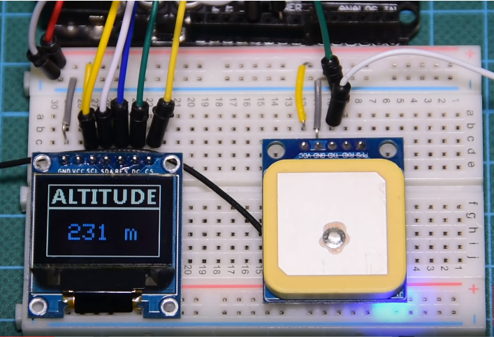 DIY Altimeter using a NEO UBLOX GPS module, a Color OLED and