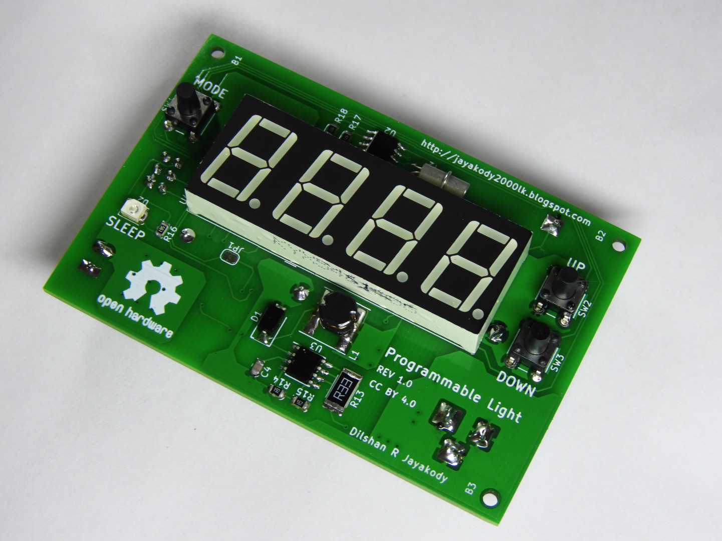 Programmable light controller with ATmega8 and DS1307