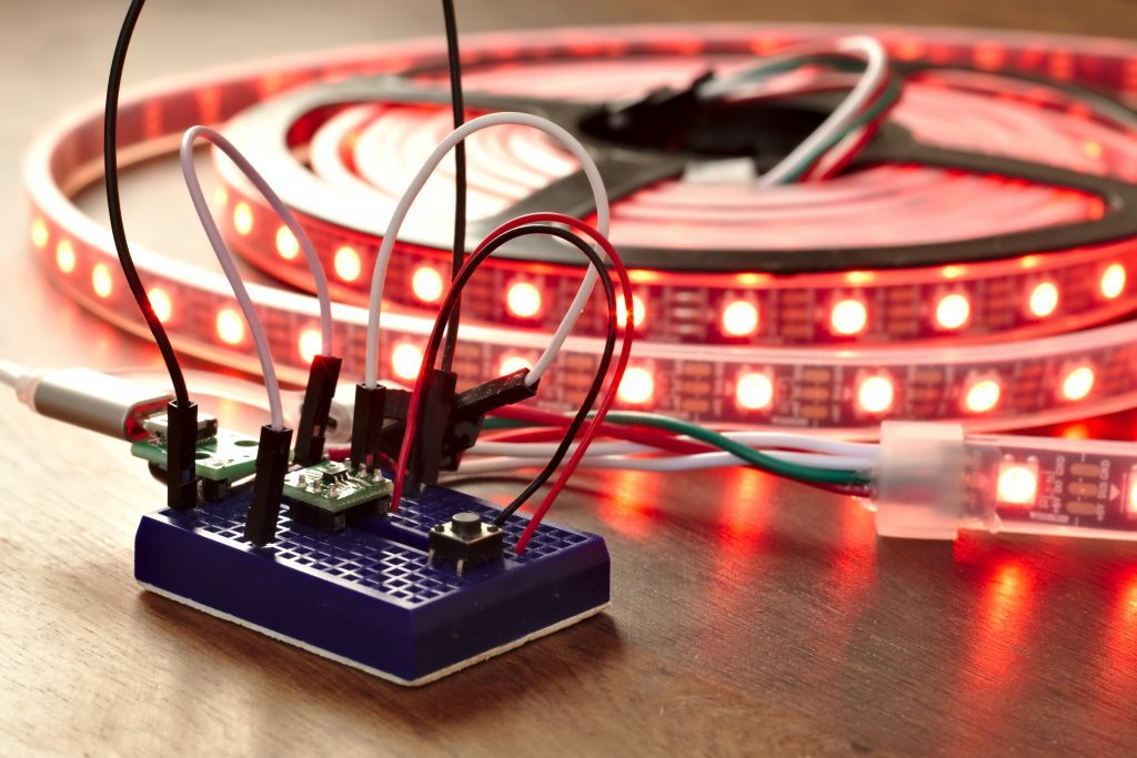 3 cent PMS150C MCU drive 300 WS2812B LED's