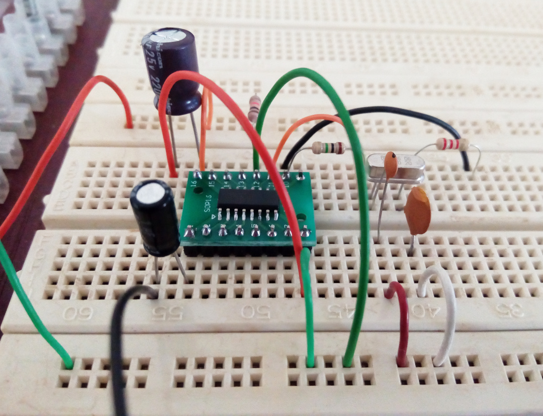 1750Hz tone generator using 74HC4060