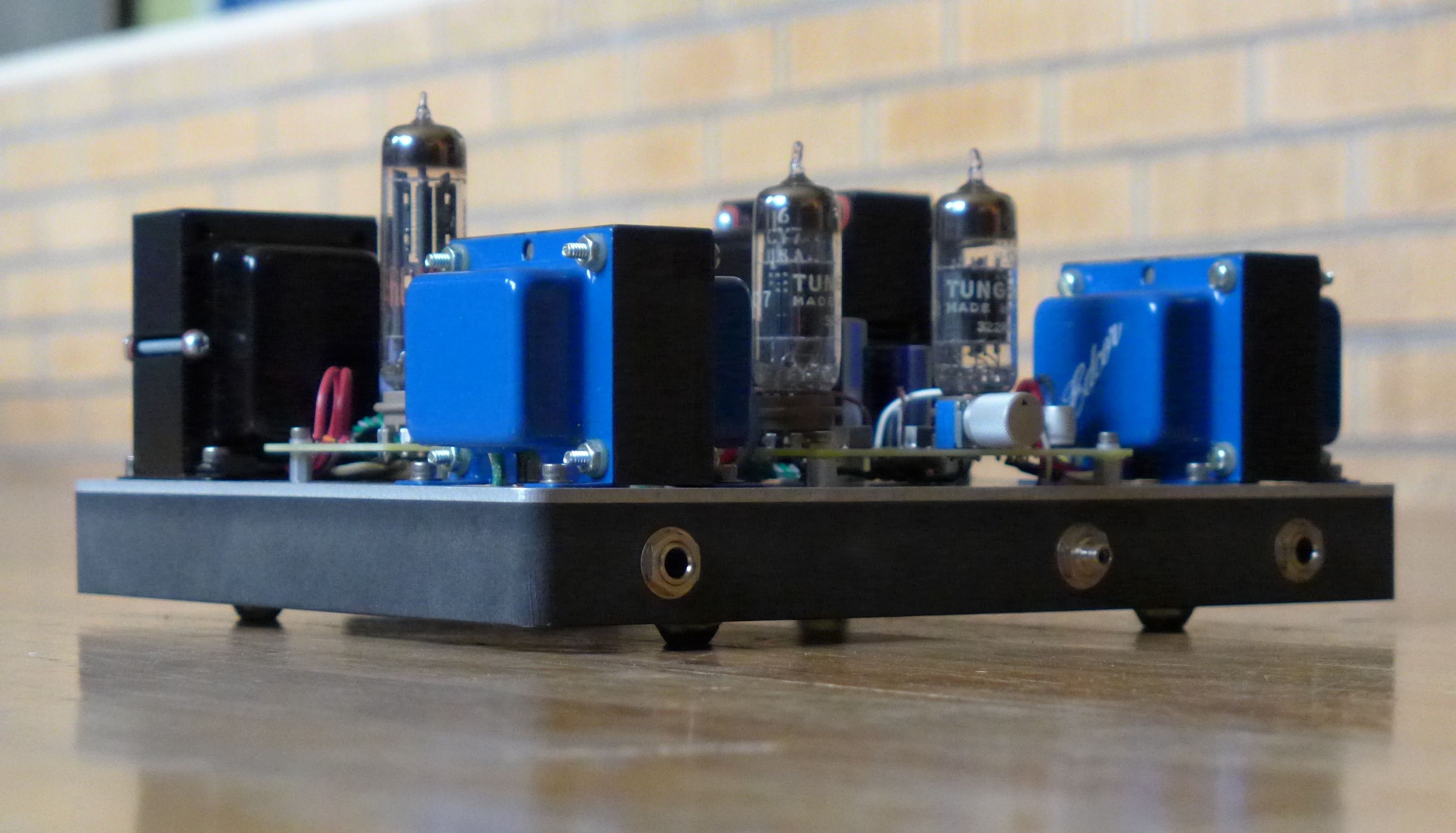 6CY7 dual triode valve amplifier - Electronics-Lab