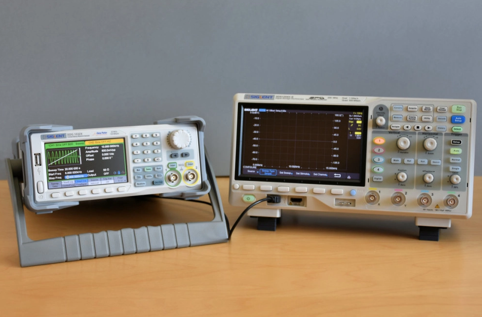 SDG1032X 30MHz Function / Arbitrary Waveform Generator - Electronics-Lab