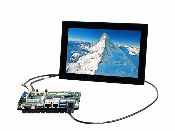 Fortec expands SBC to plug-and-play TFT display kit
