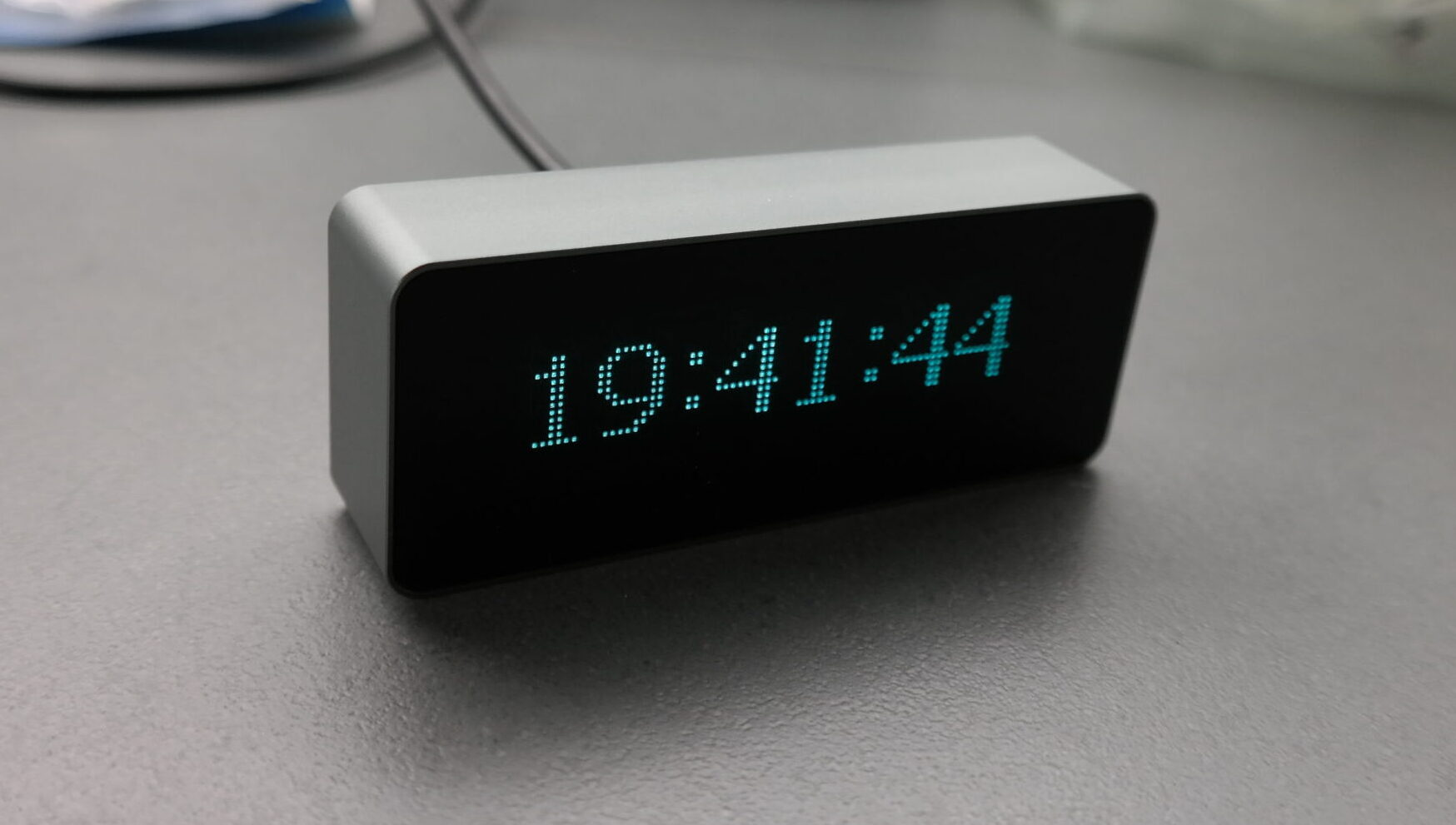Audio Spectrum Indicator and Digital Clock with Remote Control