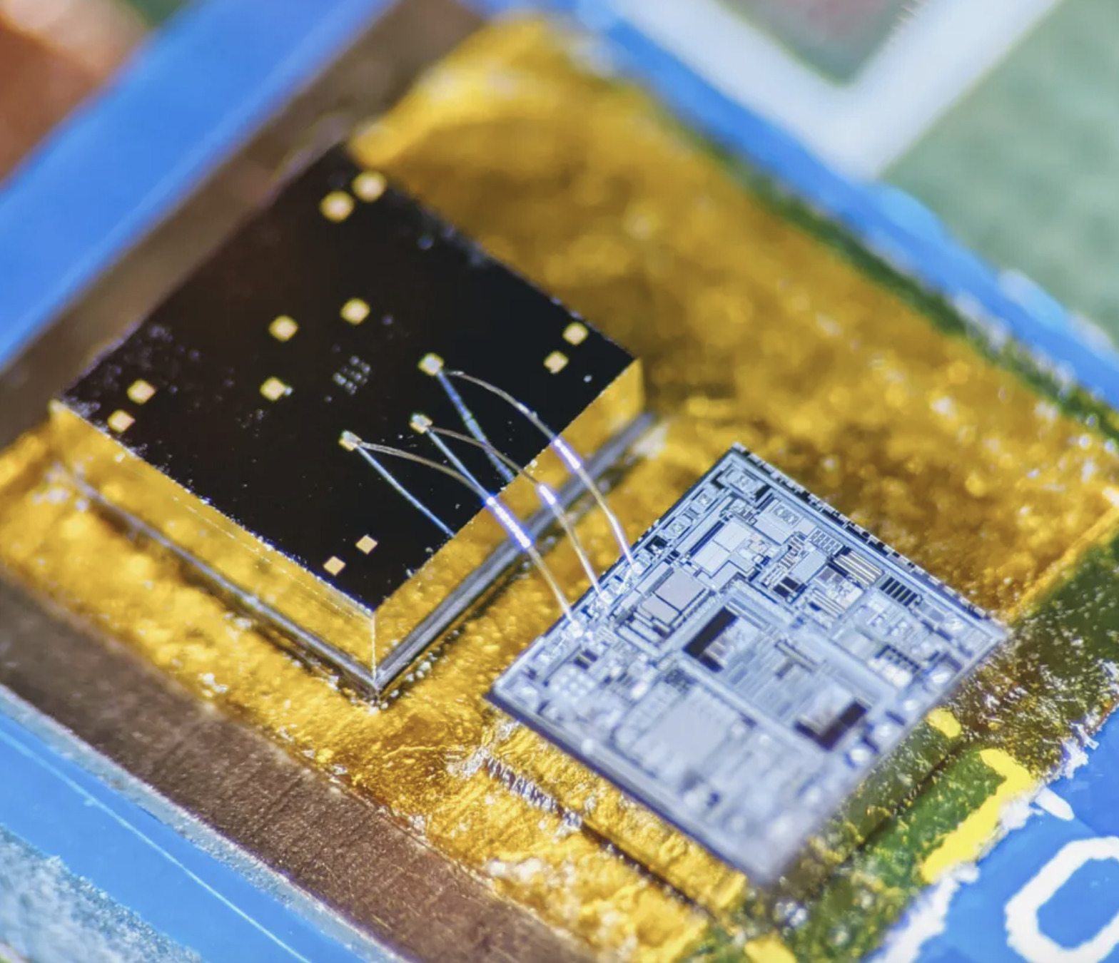 Super Sensor On A Chip can Monitor the Heart and Lungs using Sounds/Vibrations