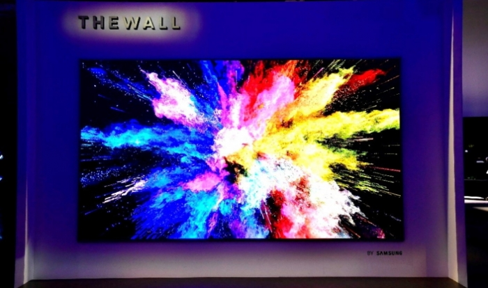 The Wall: a modular MicroLED TV from Samsung