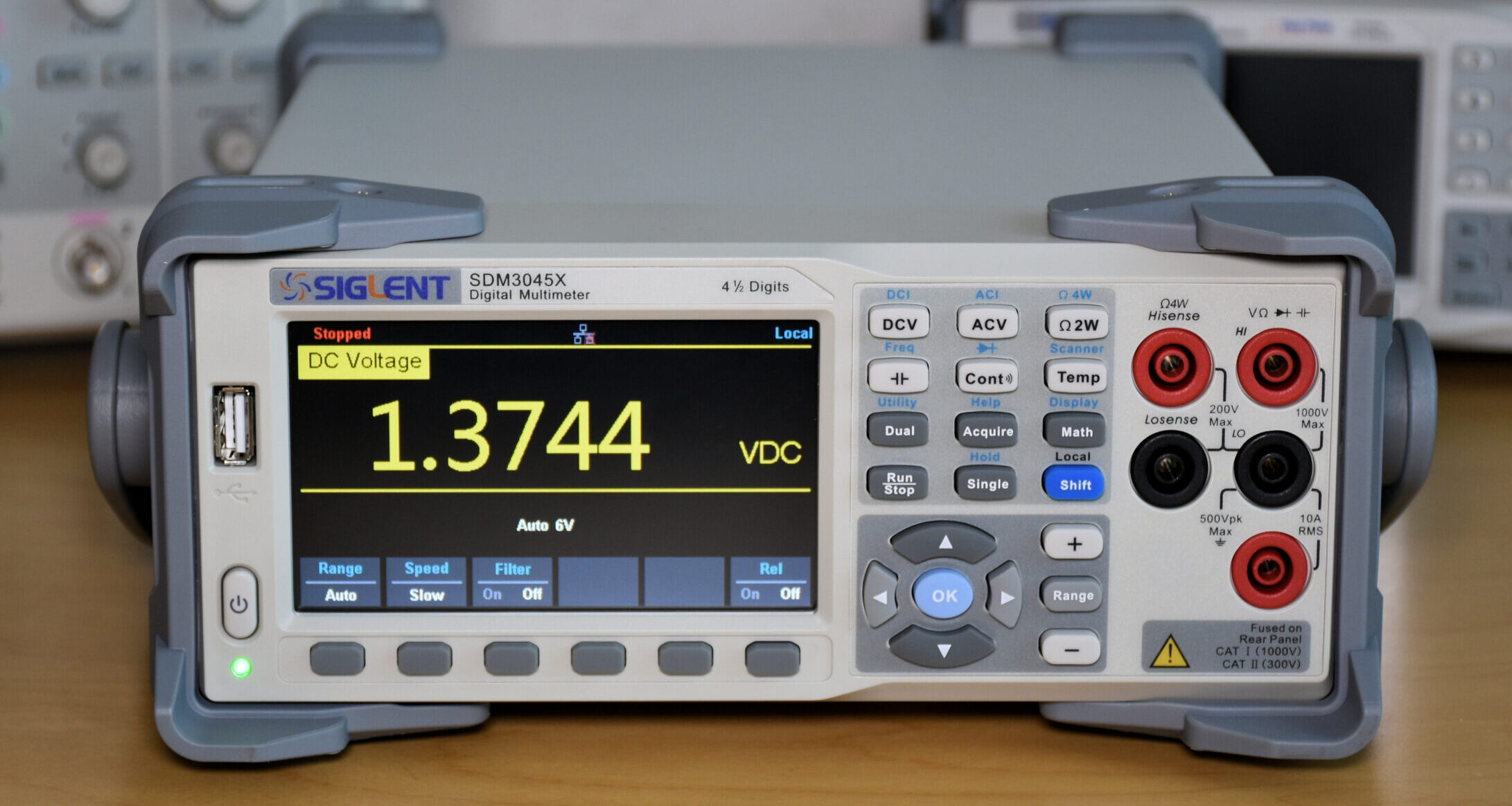 Elektor Review: Siglent Bench Multimeter SDM3045X