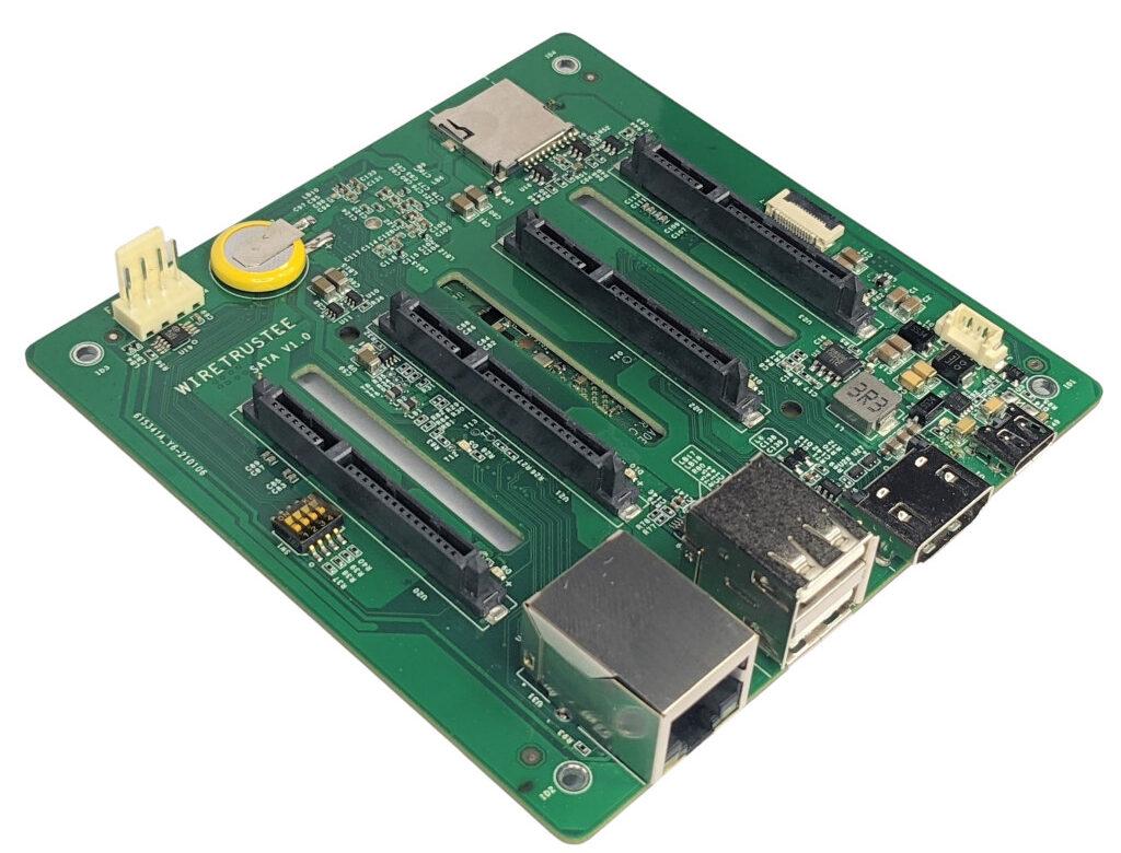 Wiretrustee designs a Four-port SATA Raspberry Pi CM4 carrier board for low-power NAS